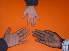 hand-1137984_640
